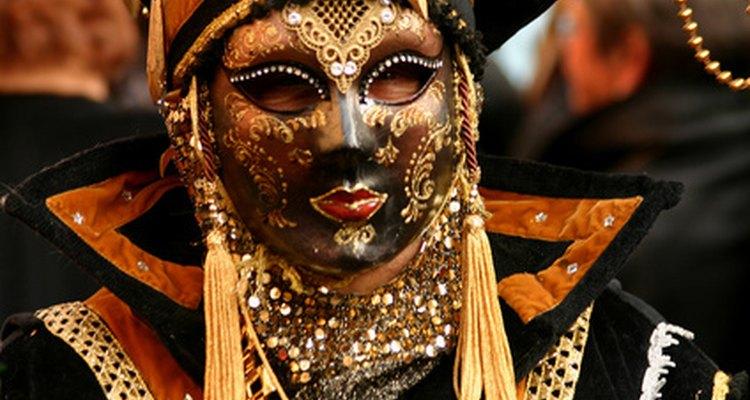 Vestirse para Mardi Gras puede ser un proceso que lleva su tiempo.