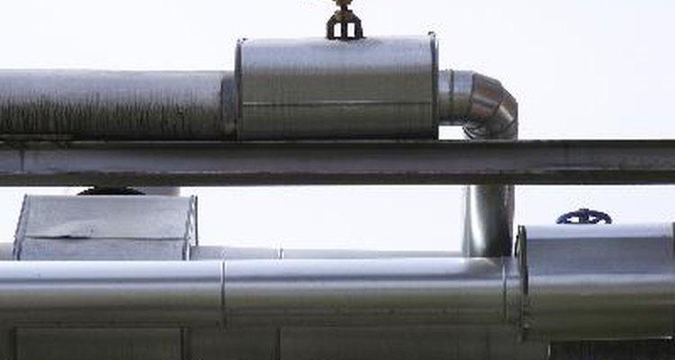 Los ductos de metal son el material más comúnmente usado en aplicaciones de calefacción y refrigeración.