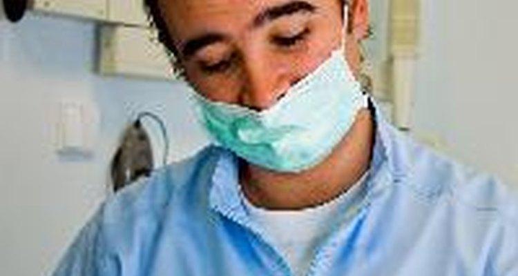¿En qué se diferencia un higienista dental con un odontólogo?