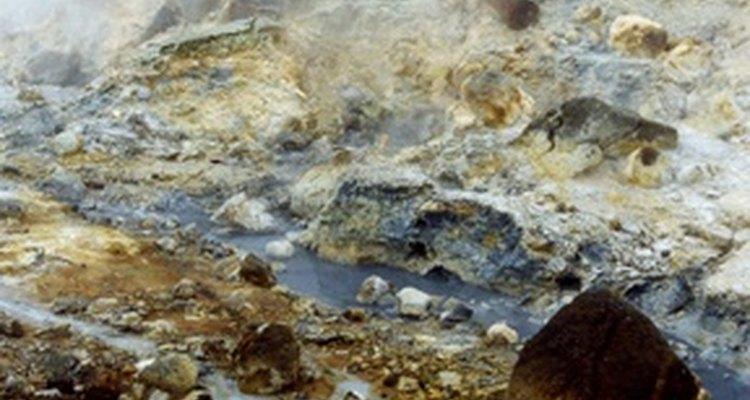 O enxofre causa alguns cheiros desagradáveis em seu abastecimento de água
