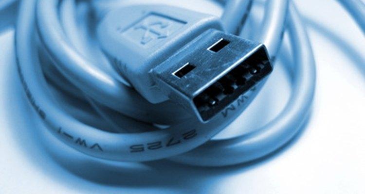 Cabo USB padrão. Veja o símbolo no plug
