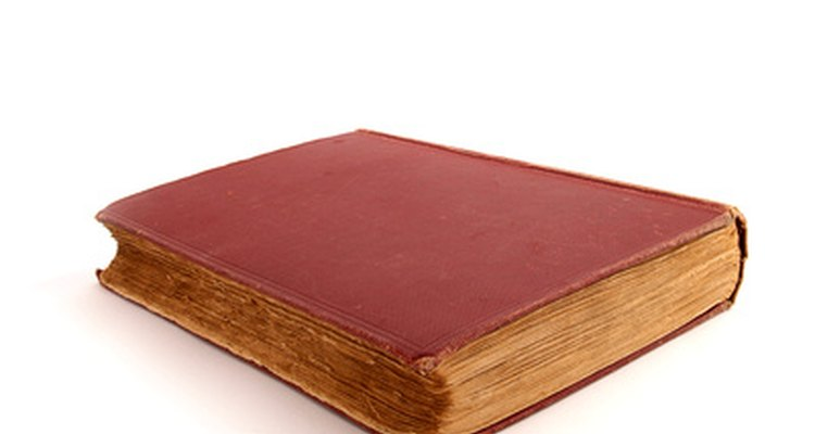 Reencadernar um livro antigo manterá as páginas velhas e frouxas no lugar