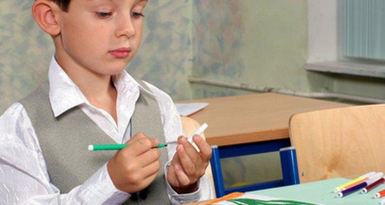Deja que los estudiantes ayuden a decorar un salón de clases y que el espacio se convierta en algo suyo.