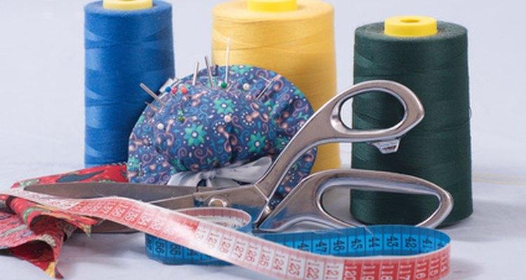 Inserir tecido extra nas costuras laterais pode fazer uma jaqueta maior