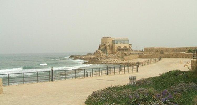 La playa es una ubicación ideal para una cita romántica.