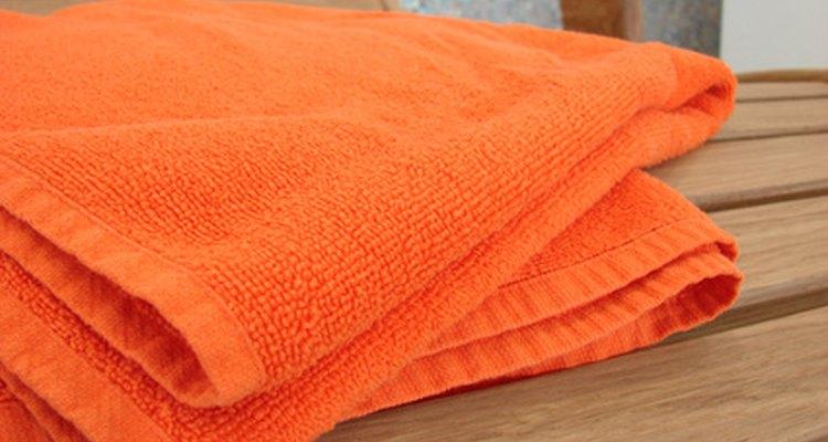 O algodão é mais absorvente que o material sintético