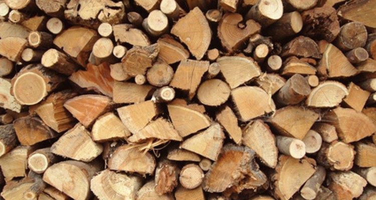 Algunos trucos simples pueden ayudar a cortar leña para el invierno.