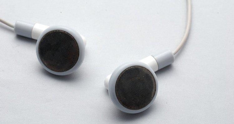 Algunas personas tienen problemas para mantener los auriculares en sus orejas.