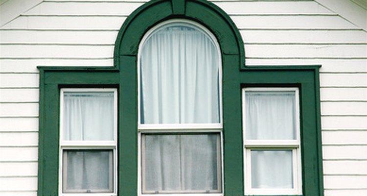 Las cortinas con forro térmico pueden reducir los costos de luz.