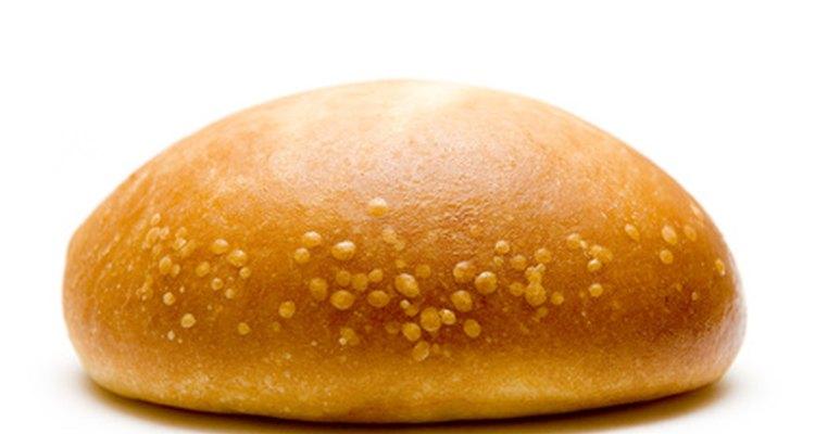 Algunos tostadores vienen con un calentador de panes adjunto que se puede utilizar para tostar los panes de hamburguesa.