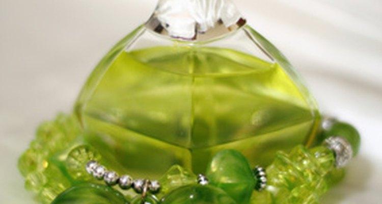 El aceite de hierba de limón puede ser escencia de perfume.
