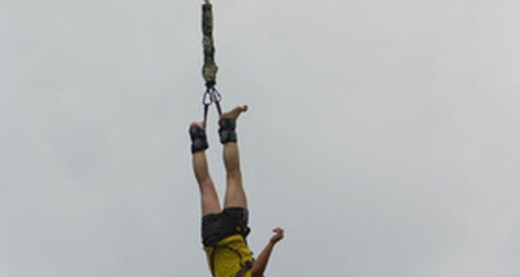 Muchas empresas de Texas ofrecen aventuras de alto vuelo con bungee.