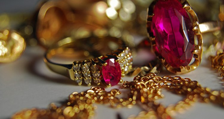 A jewellery scale is used to determine jewellery's worth and value