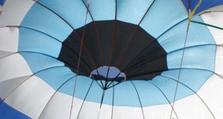 Os materiais utilizados em paraquedas já evoluíram bastante