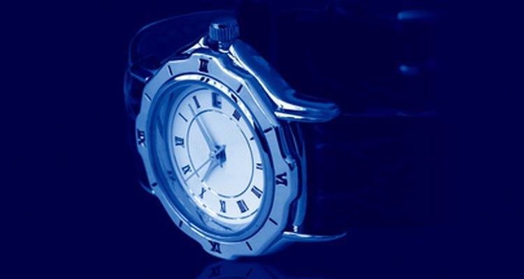 É fácil achar o número do modelo em um relógio Tag Heuer