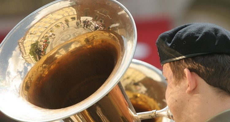 Fanfares are often played by military bands at ceremonies and parades.
