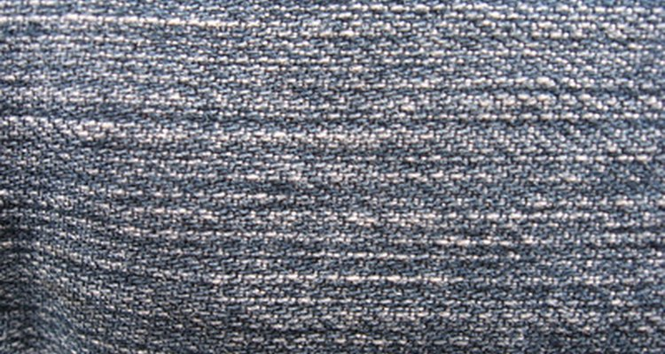 A lona e o brim são variantes do mesmo tecido