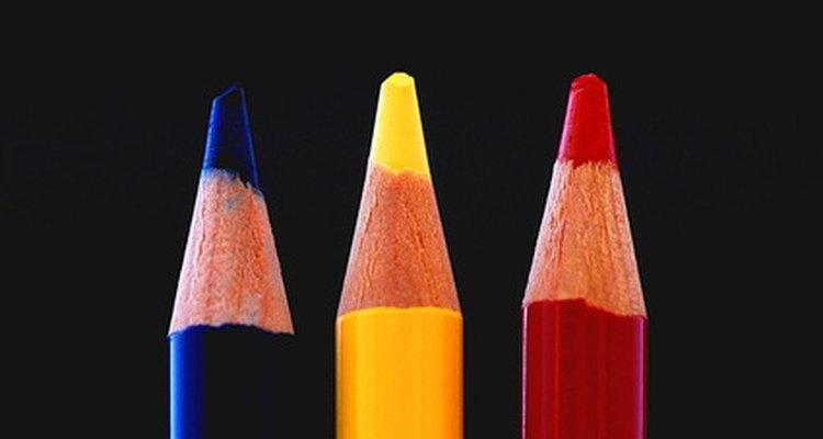 Los colores azul, amarillo y rojo representan una versión de un esquema triádico de colores.