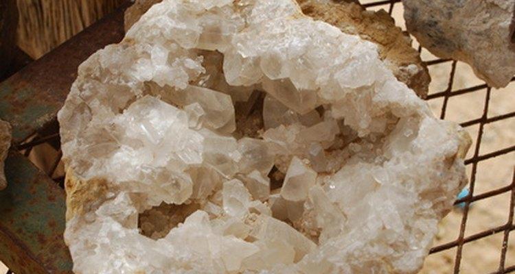 Um grande cristal de quartzo