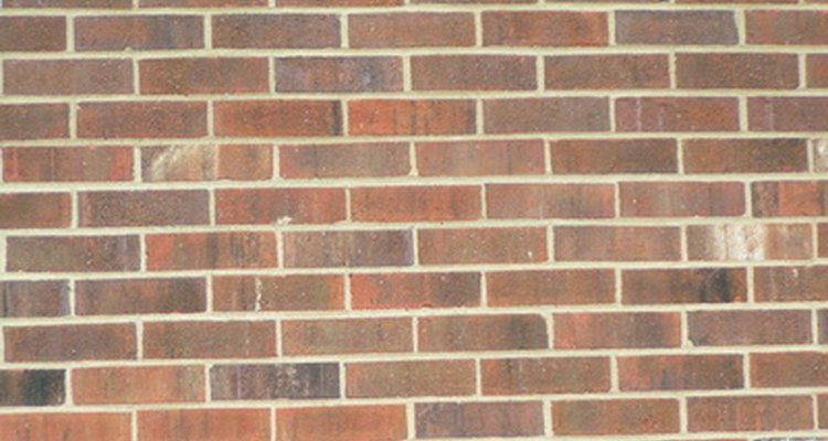 Brick veneer has an identical appearance to solid brick.