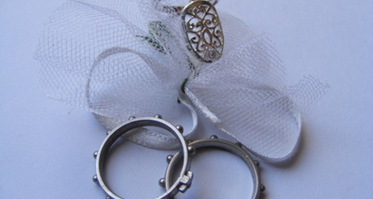 Um anel de sinete pode mostrar um brasão de família