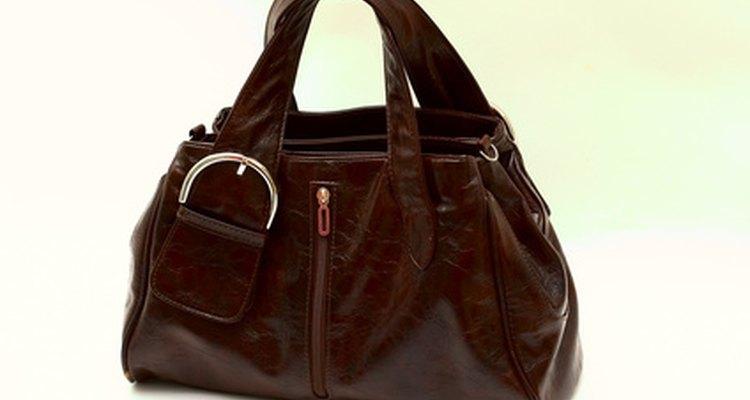 Muchas mujeres quieren tener bolsas Dolce y Gabanna, pero no todas las que ves son auténticas.