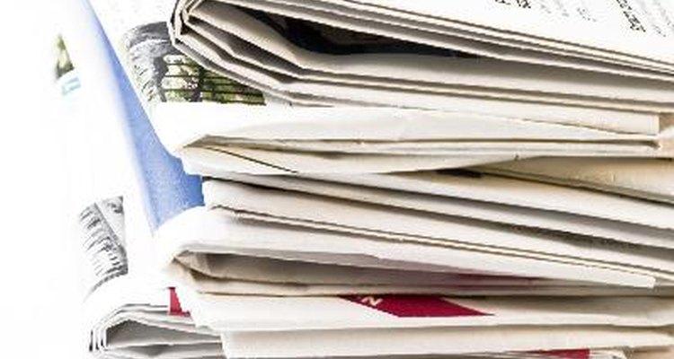 Leer la prensa nacional para mantenerse al día con los acontecimientos actuales y seguir la economía son importantes ya que esto puede afectar a las campañas de marketing.