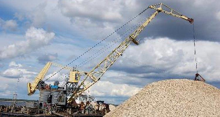 La herramienta más importante para la excavación de un pozo profundo es una plataforma de perforar de gran tamaño.
