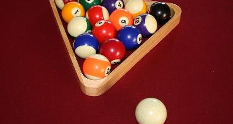 Jogos de sinuca normalmente usam bolas numeradas de 1 a 15