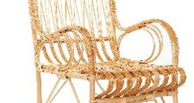 Restaure móveis de vime antigos e lhes dê um novo acabamento