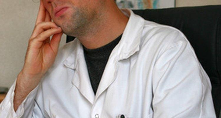 Un certificado en oncología puede proporcionar un ingreso más alto.