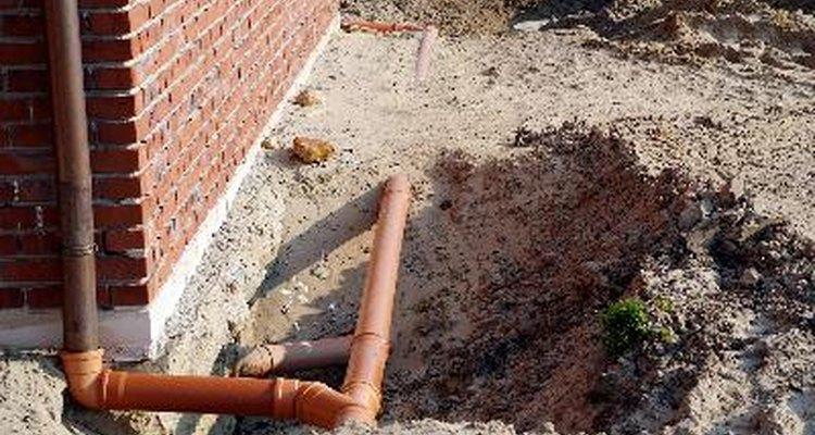 Mantén el suelo alrededor de tu cimiento lo más seco posible.