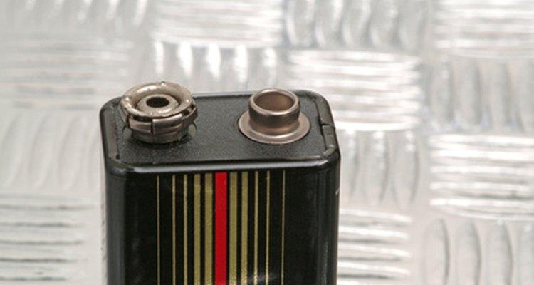 Teste a carga de uma bateria de 9 V