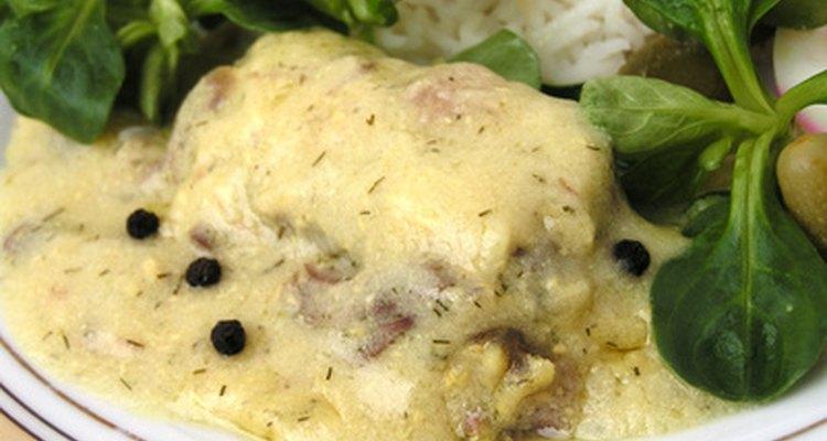 Bochechas de boi refogadas são ótimas carnes cremosas para uma variedade de receitas e molhos