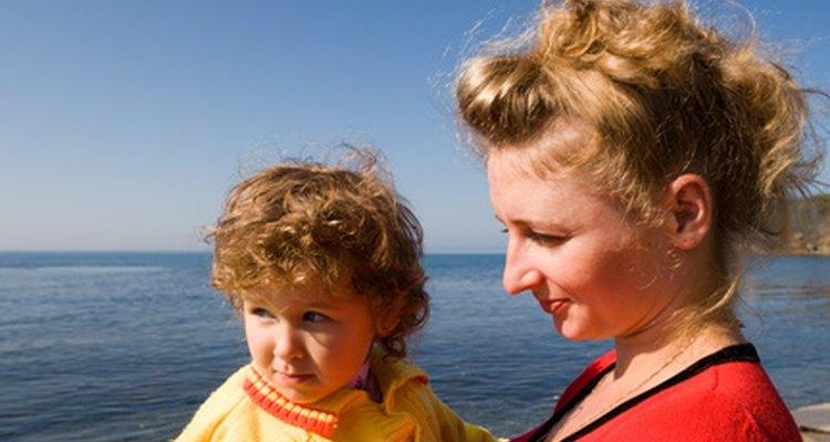 Muestra a tus hijos cómo hacer las cosas correctamente a través de tus acciones, no sólo de tus palabras.