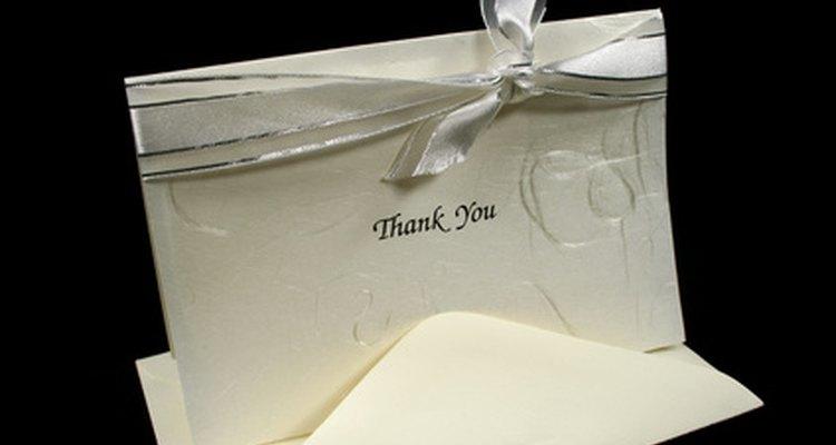 Las notas de agradecimiento a menudo provienen de fiestas formales y ocasiones dónde los regalos son entregados o intercambiados.