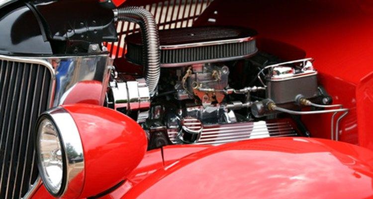 A boia do carburado apresenta sinais e sintomas quando está com defeito