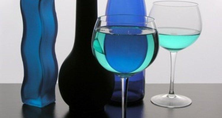 Decoraciones para el hogar en color azul son regalos económicos para un aniversario de bodas de zafiro.