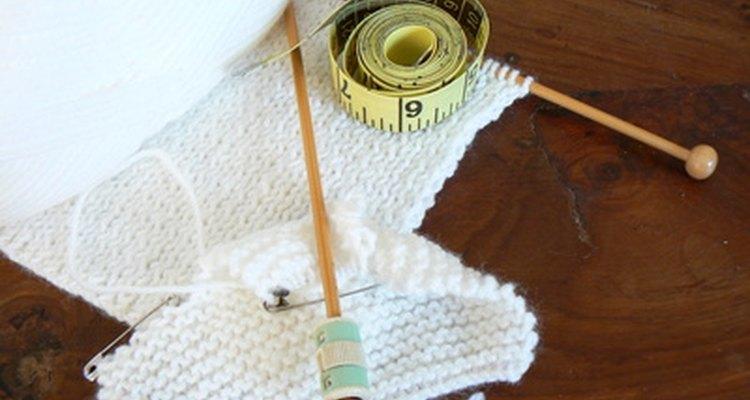 Usando pinos, você pode ter um conjunto completo de agulhas de tricô de madeira em todos os tamanhos