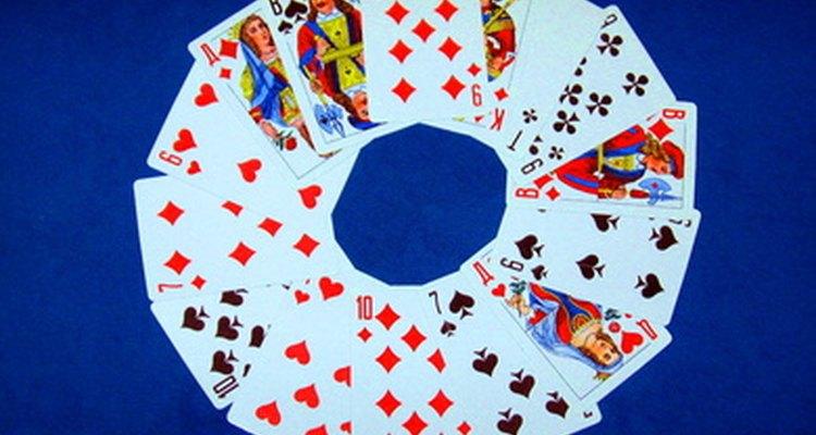 Prueba tus habilidades prediciendo cartas en una baraja.