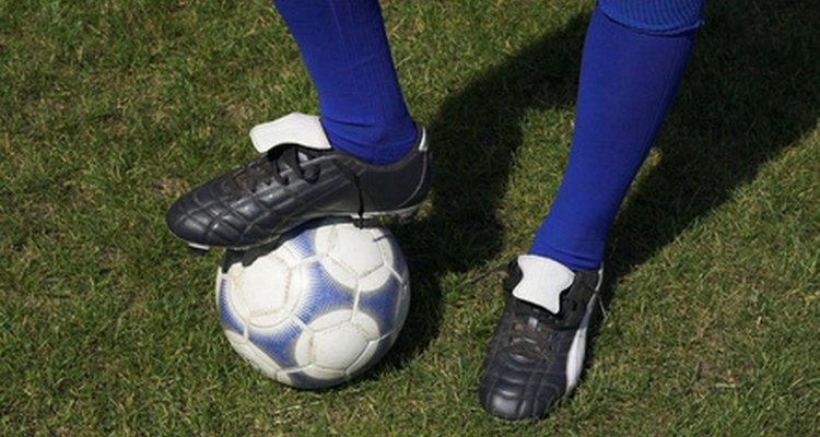 Laceie suas chuteiras de futebol para conforto e toque superiores