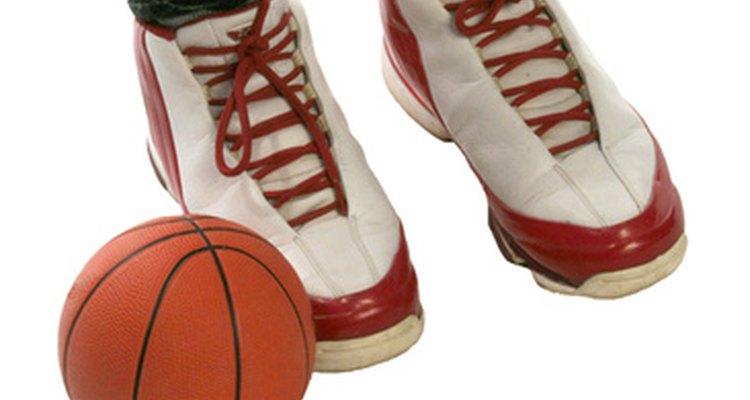 Los zapatos deportivos Air Jordans están diseñados para favorecer el movimiento de los jugadores de baloncesto durante el juego.