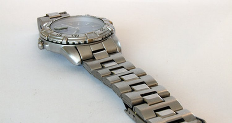 Los biseles giratorios de los relojes pueden medir el tiempo y otras unidades.