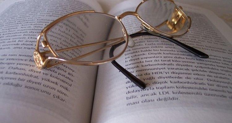 Armações de óculos podem ser consertadas com soldas de prata