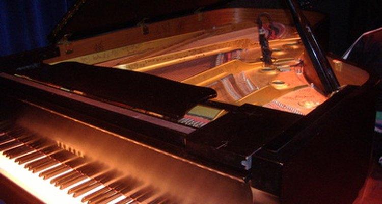 Você pode determinar a idade do piano pelo número de série