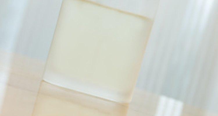 O dipropilenoglicol é um composto utilizado como veículo das fragrâncias de perfumes