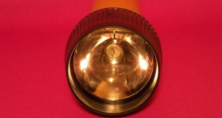 Uma lanterna infravermelha ilumina um mundo completamente diferente