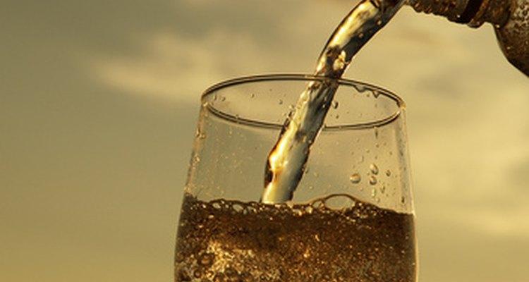 O club soda e a água com gás são bebidas gaseificadas