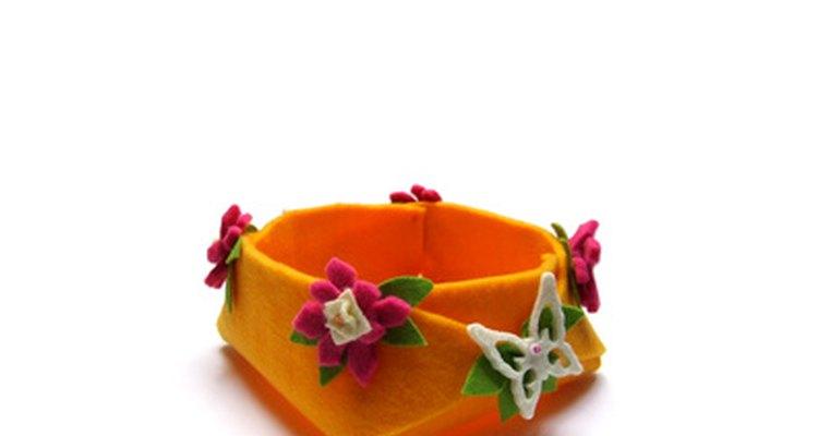 O feltro de artesanato pode ser utilizado para criar muitos itens