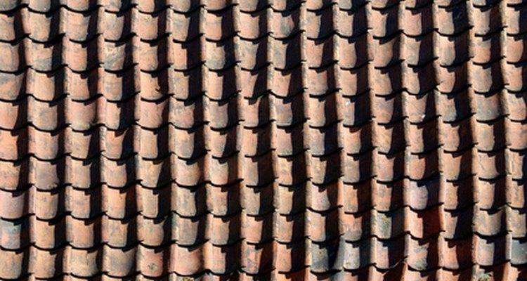 Calcula la cantidad de tejas que necesitas para techar tu casa.
